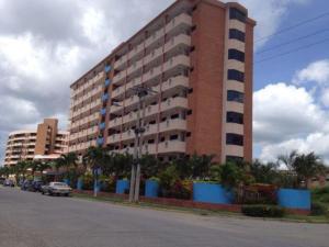 Apartamento En Venta En Higuerote, Puerto Encantado, Venezuela, VE RAH: 16-16699