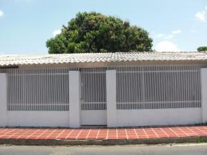 Casa En Venta En Coro, Centro, Venezuela, VE RAH: 16-16722