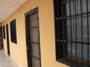 Apartamento En Venta En Coro, Avenida Independencia, Venezuela, VE RAH: 16-16723