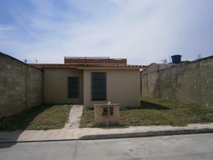 Casa En Venta En San Joaquin, La Pradera, Venezuela, VE RAH: 16-16749