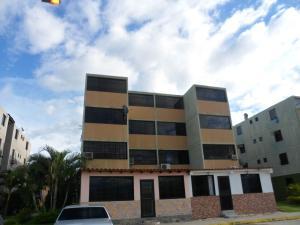 Apartamento En Venta En Municipio Los Guayos, Buenaventura, Venezuela, VE RAH: 16-16770