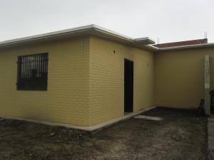 Casa En Venta En Municipio Los Guayos, Buenaventura, Venezuela, VE RAH: 16-16804