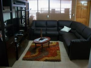 Casa En Venta En Maracaibo, La Picola, Venezuela, VE RAH: 16-16809
