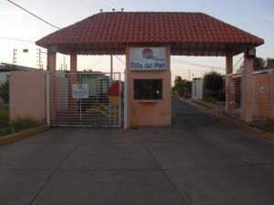 Casa En Venta En La Vela De Coro, Intercomunal Coro La Vela, Venezuela, VE RAH: 16-16727