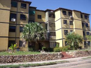Apartamento En Venta En Ciudad Bolivar, Av La Paragua, Venezuela, VE RAH: 16-16817
