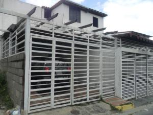 Casa En Venta En Guarenas, Altos De Copacabana, Venezuela, VE RAH: 16-16818