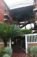 Apartamento En Venta En Guatire, El Marques, Venezuela, VE RAH: 16-16854