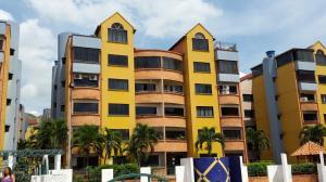 Apartamento En Venta En Municipio San Diego, La Esmeralda, Venezuela, VE RAH: 16-16903