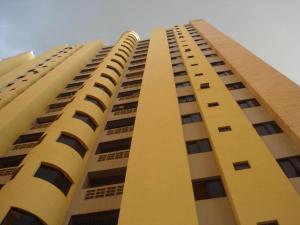 Apartamento En Alquiler En Valencia, La Trigaleña, Venezuela, VE RAH: 16-16923