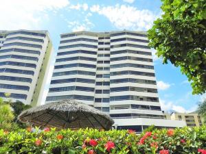 Apartamento En Ventaen Parroquia Caraballeda, Camuri Chico, Venezuela, VE RAH: 16-16931