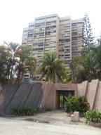Apartamento En Venta En Parroquia Caraballeda, Palmar Este, Venezuela, VE RAH: 16-17024