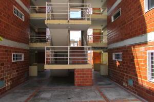 Apartamento En Venta En Guatire, El Encantado, Venezuela, VE RAH: 16-17129