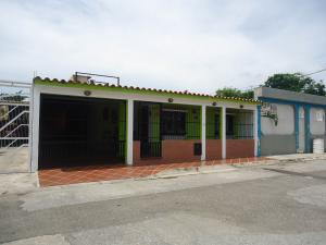 Casa En Venta En San Joaquin, La Pradera, Venezuela, VE RAH: 16-16996