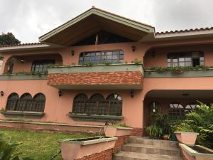 Casa En Venta En Los Teques, Colinas De Carrizal, Venezuela, VE RAH: 15-8562