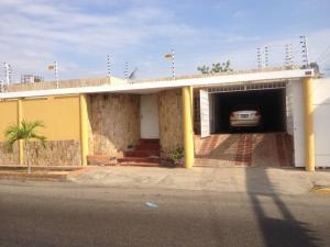 Local Comercial En Alquiler En Maracaibo, La Picola, Venezuela, VE RAH: 16-17097