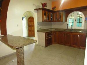 Casa En Venta En Ciudad Bolivar, El Peru, Venezuela, VE RAH: 16-17002