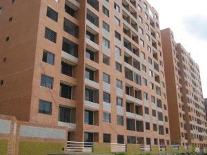 Apartamento En Venta En Caracas, Colinas De La Tahona, Venezuela, VE RAH: 16-17029