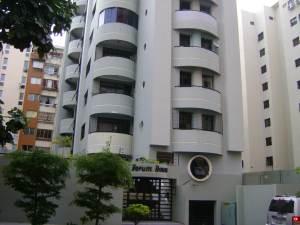 Apartamento En Venta En Valencia, La Trigaleña, Venezuela, VE RAH: 16-17008