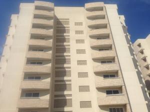 Apartamento En Venta En Maracaibo, Zona Norte, Venezuela, VE RAH: 16-17166