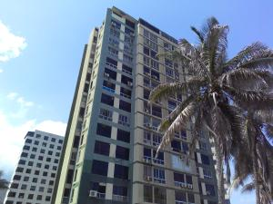 Apartamento En Venta En La Guaira, Sector Las Quince Letras, Venezuela, VE RAH: 16-17020