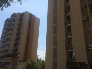 Apartamento En Venta En Maracaibo, Circunvalacion Dos, Venezuela, VE RAH: 16-17073