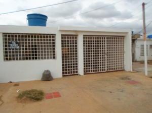 Casa En Venta En Punto Fijo, Las Adjuntas, Venezuela, VE RAH: 16-17138