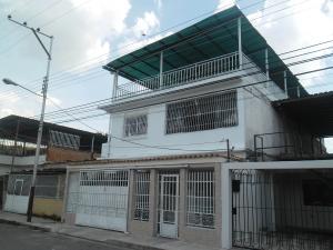 Casa En Venta En Maracay, La Cooperativa, Venezuela, VE RAH: 16-17054