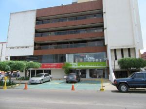 Local Comercial En Alquiler En Maracaibo, Calle 72, Venezuela, VE RAH: 16-17067