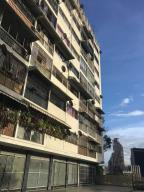 Apartamento En Venta En Caracas, San Bernardino, Venezuela, VE RAH: 16-17101