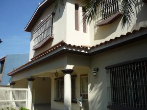 Casa En Venta En Valencia, Las Chimeneas, Venezuela, VE RAH: 16-17624