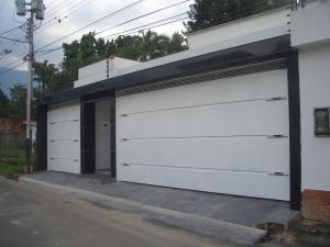 Casa En Venta En Maracay, El Limon, Venezuela, VE RAH: 16-17109