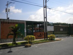 Apartamento En Venta En Municipio San Diego, El Tulipan, Venezuela, VE RAH: 16-17118