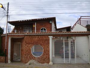 Casa En Venta En Municipio Linares Alcantara, La Morita Ii, Venezuela, VE RAH: 16-17127
