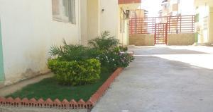 Apartamento En Venta En Punto Fijo, Zarabon, Venezuela, VE RAH: 16-8176