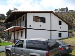 Casa En Venta En Parroquia Carayaca, Gengibrillar, Venezuela, VE RAH: 16-17157