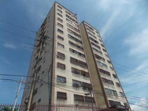 Apartamento En Venta En Los Teques, Municipio Guaicaipuro, Venezuela, VE RAH: 16-18007