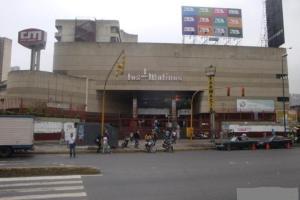 Local Comercial En Alquiler En Caracas, San Martin, Venezuela, VE RAH: 16-17174