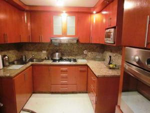 Apartamento En Ventaen Maracaibo, Avenida Delicias Norte, Venezuela, VE RAH: 16-17178