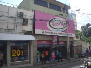 Edificio En Venta En Maracay, Zona Centro, Venezuela, VE RAH: 16-17213