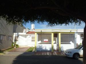 Townhouse En Venta En Maracaibo, Santa Fe, Venezuela, VE RAH: 16-17215