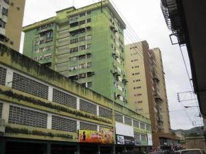 Apartamento En Venta En Turmero, Zona Centro, Venezuela, VE RAH: 16-17233