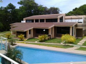 Townhouse En Ventaen Rio Chico, Los Canales De Rio Chico, Venezuela, VE RAH: 16-17243