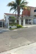 Casa En Venta En Valencia, Piedra Pintada, Venezuela, VE RAH: 16-17240