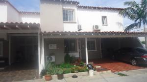 Casa En Venta En Cabudare, Parroquia Cabudare, Venezuela, VE RAH: 16-17252
