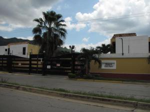 Townhouse En Venta En Municipio Naguanagua, Tazajal, Venezuela, VE RAH: 16-17268