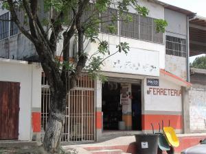 Local Comercial En Venta En Cabudare, El Recreo, Venezuela, VE RAH: 16-17271