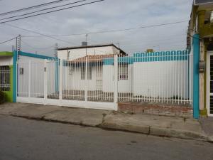 Casa En Venta En Turmero, La Mantuana, Venezuela, VE RAH: 16-17288