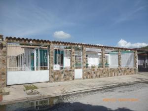 Casa En Venta En Turmero, Valle Fresco, Venezuela, VE RAH: 16-17293