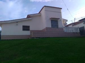 Casa En Venta En Los Teques, Macarena Sur, Venezuela, VE RAH: 16-17292