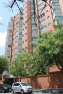 Apartamento En Venta En Caracas, El Rosal, Venezuela, VE RAH: 16-17296